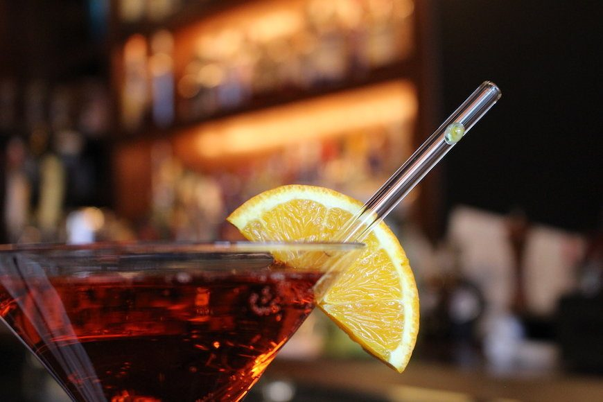 The Cocktail Straw Showdown: Glass vs Plastic
